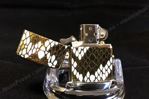 2006年製 両面ヘビ柄(ゴールド)ZIPPO「ヒンジピン交換前」