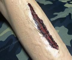 ハロウィンの仮装!ゾンビの傷口メイク「やり方と手順」⑤」