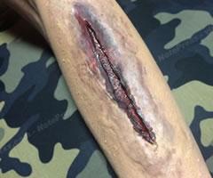 ハロウィンの仮装!ゾンビの傷口メイク「やり方と手順」⑥」