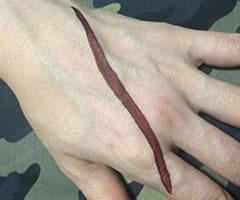 ハロウィン用 切り傷・ひっかき傷メイク「やり方と手順」②」