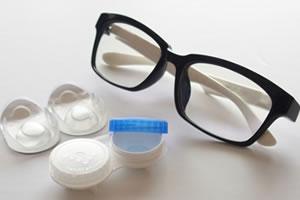 メガネのレンズ度数はコンタクトと同じ?