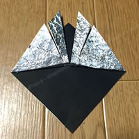 折り紙「かぶとの折り方 6」
