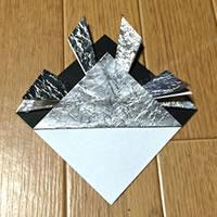 折り紙「かぶとの折り方 8」
