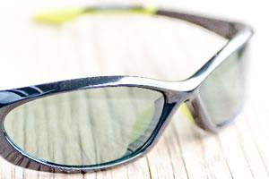 偏光サングラスと調光サングラスの特徴と違い