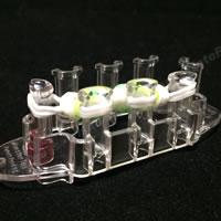 割り箸を使って作る「初心者でも作れるゴムブレスレットの作り方!手順 7」